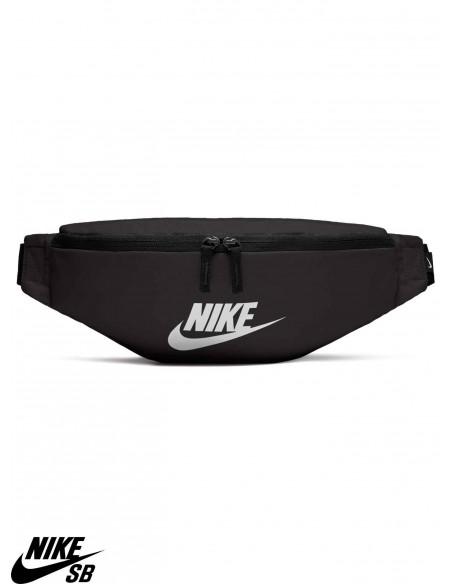 Nike Sportswear Heritage Negra