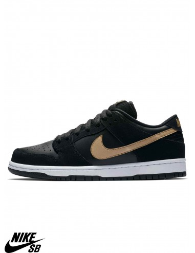 the latest 1f9bc cd63f Nike SB Dunk Low Pro Black Skate Shoes